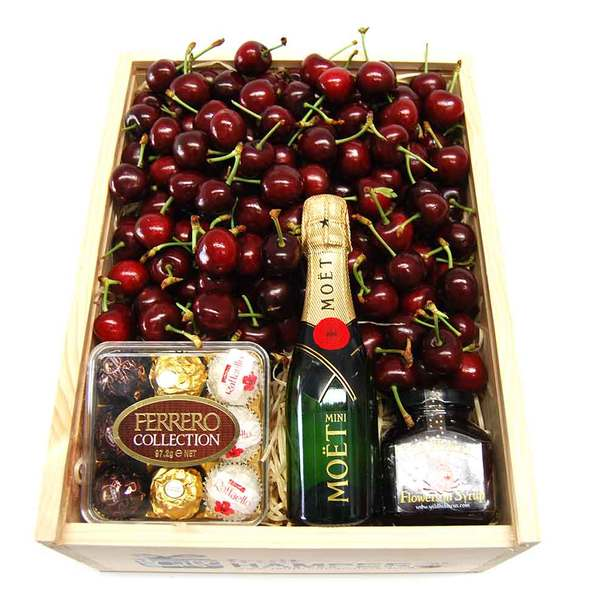 Chocolate Cherry Hampers & Moet Chandon Piccolo 200ml & Hibiscus Flowers in Syrup