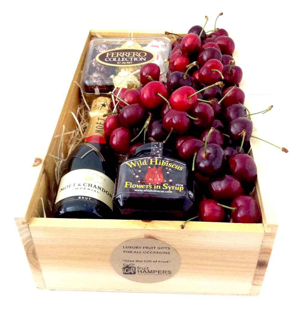 Christmas Hampers | Christmas Cherry Hamper Gift Ideas ...
